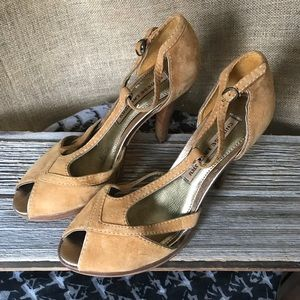 Chinese Laundry Light Brown Suede Peeptoe Heels